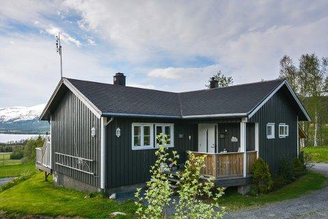 Drevvassbyda 48 er til salgs for 750.000 kroner.