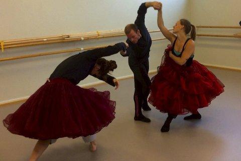 Forberedelser: Stellaris DansTeater gjør seg klar til jubileet i Hammerfest. Foto: Solveig Leinan-Hermo