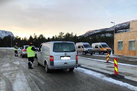 STORKONTROLL: Statens vegvesen utførte storkontroll i Alta lørdag.