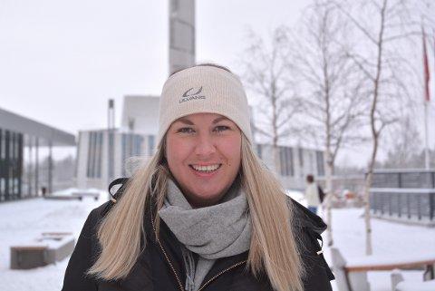 KLAR: Anita Bakk Henriksen er vår nye journalist på Alta-kontoret. Hun gleder seg til å bli kjent med denne delen av Norge.