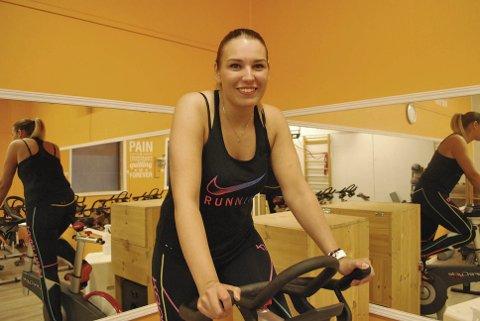 Ny instruktør: Ina-Elisabeth Figenschau (23) er ny spinninginstruktør på Nordkapp treningssenter. foto: stine serigstad