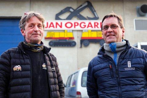 SATSER PÅ LÆRLINGER: Brødrene Bjørnar (t.v.) og Jan Erik Opgård går inn i en usikker periode og må kanskje ty til permitteringer, for første gang siden 1999. Likevel satser de videre på lærlinger.