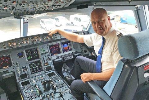LEI: Pilot Jan Arve Reite er ferdig med de borgerlige. - Finnmark slås sammen med Troms selv om folkeavstemninga sa noe annet. Tingrettene og skattekontorene føyer seg bare inn i rekka, sier han.