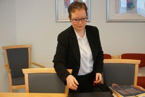 TØFF SAK: Bistandsadvokat Edel Hennie Olsen forteller at saken har preget hennes klient, som i dag er i 30-årene, sterkt. Hun beskriver saken som svært alvorlig. I dag sto flere vitner frem med skildringer av overgrep begått av samme mann.