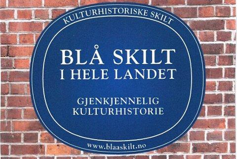 TRE STEDER: Mange byer i Norge har fått opp «Blå skilt» eller andre skilt på en del kulturhistoriske bygninger/anlegg.