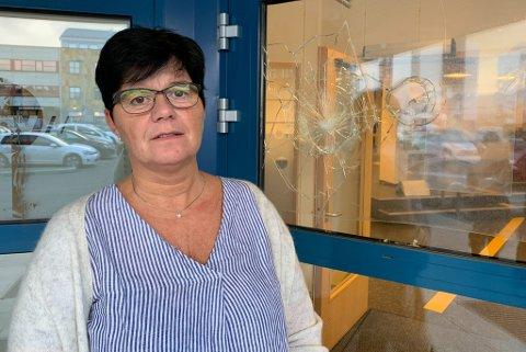 LEIT: - Vi syns det er leit at noen går til fysiske ødeleggelser, sier Nav-leder i Alta, Randi V. Ostgaard.