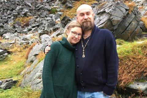 BLE MED: Først flyttet Dean Kaxe fra England til Oslo for å satse på Aina Nygård. Nå har han blitt med til Kjøllefjord også.