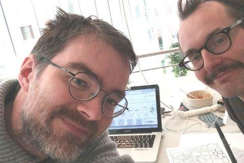 INITIATIVTAKERE: Terje T. Wollmann fra Sør-Varanger og Kristoffer Karlsen fra Hammerfest hadde ideen bak tegneserien på tre språk.