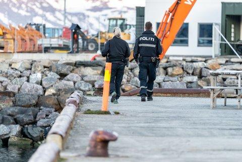 Voksen mann ble funnet omkommet i havnebassenget i Hammerfest mandag 25. mai 2020. Nå vet politiet hva som har skjedd.