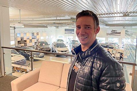 NY AVDELINGSLEDER: Espen Hustad (41) går fra og være ut i praktisk arbeid, til å bli avdelingsleder ved kommunalteknikk i Lebesby kommune.