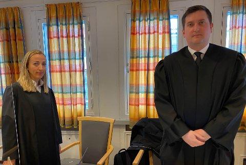 PROSESSFULLMEKTIG: Advokat Kathrine Lekven Christensen og advokatfullmektig Fredrik Riise, begge fra Econa, som er prosessfullmektiger for saksøker/arbeidstaker Morgan Degerstrøm.