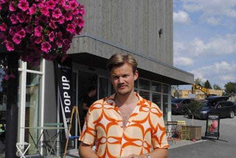 SOMMERPRATEN: Lars Øye Brandsås nøt siste ferieuke i Inderøy, før han dro tilbake til Oslo. Nå blir han tidenes yngste statssekretær.
