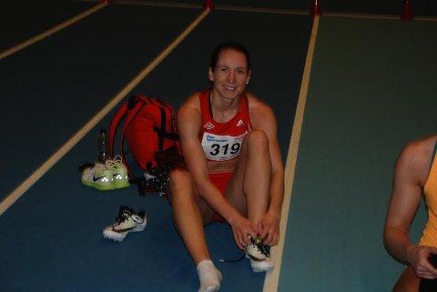 TO MEDALJER: Astrid Mangen Cederkvist smilte fornøyd etter ei veldig god NM-helg i Bærum.