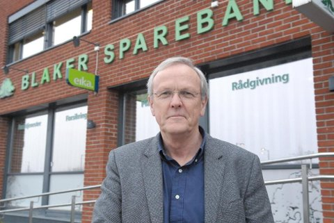 Driver bedre: Adm. banksjef Hans Eid Grøholt i Blaker Sparebank kan presentere hyggelige tall.