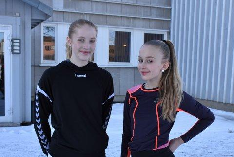 Studiespesialisering: Thelma Ruud Wiker (t.v.) og Camilla Sofie Brygghaug fra Frogner skole tester idrettsfag, men tror de vil gå studiespesialisering.