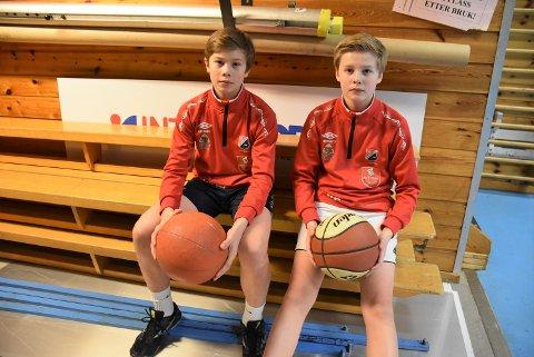 Idrettsfag: Jan Niklas Woldengen (t.v.) og Jesper Eliassen fra Frogner skole spiller håndball og hospiterer på idrettsfag.