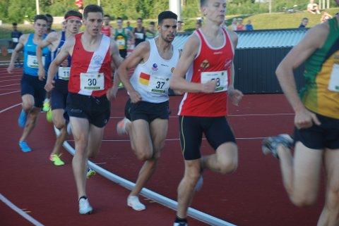 SMADRET PERSONLIG REKORD: Med et velberegnet og offensivt løp senket Jacob Boutera sin bestetid på 1500 meter med ikke mindre enn åtte sekunder, med andre ord to sekunders forbedring per runde! Foto: Jon Wiik