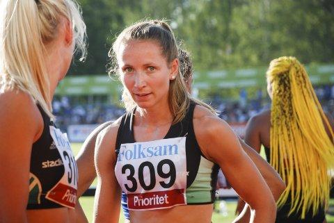 MISFORNØYD: Astrid Mangen Cederkvist var et godt stykke unna sin personlige rekord på 11,71 i Karlstad onsdag, og ansiktsuttrykket sier alt om hva hun følte om det.