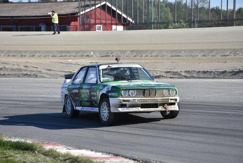 Hans-Jøran Østreng fra Høland kjørte inn til sterk andreplass i helgens NM-runde i rallycross, men tapte likevel terreng i kampen om NM-gullet. Foto: Trym Helbostad