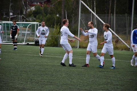 Jubel: Martin Vestreng (i midten) ga AHFk ledelsen 1-0.