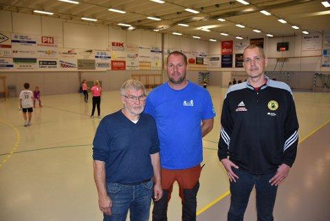 – Vi trenger økonomisk hjelp fra kommunen for å utføre vedlikehold på hallene våre, sier Flemming Christoffersen (t.h.) i AFSK, Bjørn Ottesen i HIUL og Kjell Roar Nygård i BSF, som samlet har 4.500 medlemmer.
