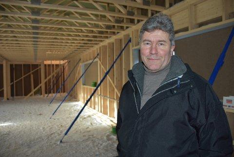 Dag-Ivar Høisveen, leder av Rømskog IL, skryter av dugnadsviljen til rømsjingene. Foto: Trym Helbostad