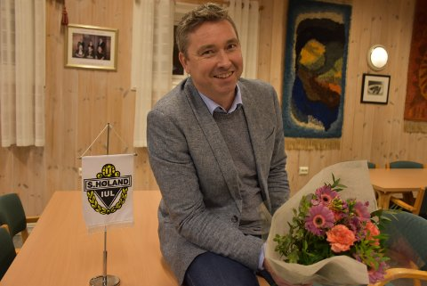 Etter sju år som leder av styret i Søndre Høland IUL, takker Raymond Hesthaug av. Foto: Trym Helbostad