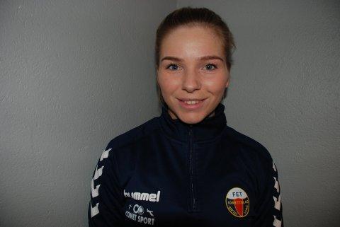 Ida Råheim Rogndokken, som har landskamper for Norge J15 og J16, scoret to mål for Fet søndag kveld da laget befestet tabelltopp i 4. divisjon. Foto: Jon Wiik