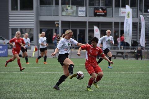 17 år gamle Maren Enger Fjellheim scoret et mål i søndagens kamp mot Skedsmo. Foto: Trym Helbostad