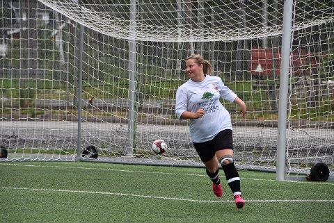 Juliane Bergan-Foss har notert seg for 14 nettkjenninger i årets 3. divisjon. Foto: Trym Helbostad