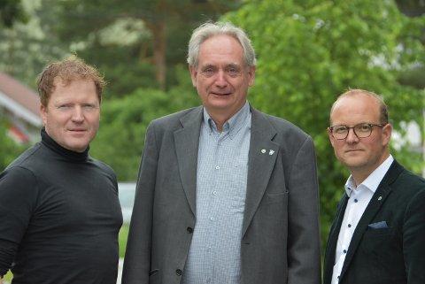 Sp-trioen Sigbjørn Gjelsvik (t.v.), Gudbrand Kvaal og Ole André Myhrvold ønsker en åpen og god prosess om hvor et nytt lager for radioaktivt avfall skal ligge. Foto: Trym Helbostad