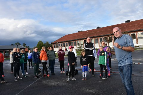 """Over 200 små og store stilte opp da Øyvind Verlo tok initiativ til """"Løp for Trine"""" og ønsket å samle inn penger til kreftrammede Trine Jørgensen. Foto: Trym Helbostad"""