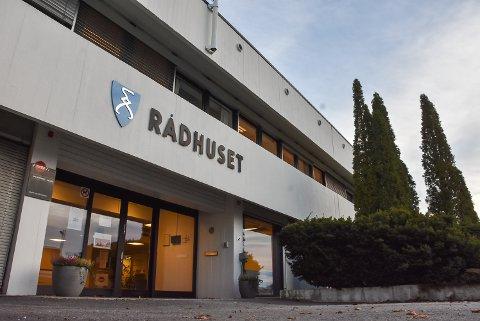 Tillitsvalgte mener at de 1.200 ansatte fortjener en påskjønnelse etter at Aurskog-Høland kommune gikk med tidenes overskudd i 2020.