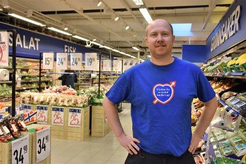 – Jeg tror at Post i butikk vil gi butikken et løft. Jeg ser det nesten som en plikt at vi, som en stor aktør i kommunesenteret, kan tilby posttjenester, sier Kai-Petter Ulbo, daglig leder på Rema 1000 Bjørkelangen. Foto: Trym Helbostad