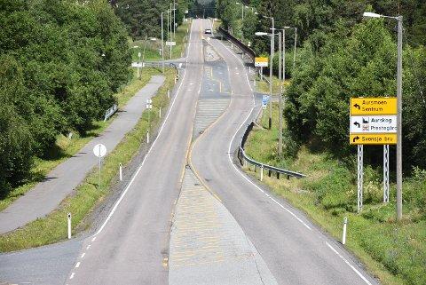 Over tre kilometer av fylkesvei 170 skal asfalteres i sommer, fra Toverudovergangen til rundkjøringa på Aursmoen.