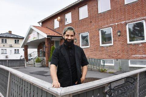 Ahmad Shah Omari, som driver Løken kebab, overtar lokalene der Sakura restaurant holder til fra høsten av.