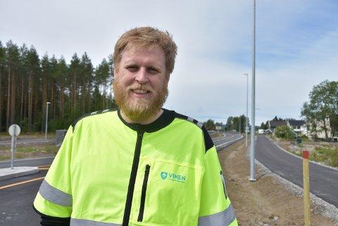Ole Kristian Krog i Viken fylkeskommune håper at anleggsarbeidet for å lage ny gang- og sykkelvei mellom Moe og Elverhøy kan starte rett over nyttår.