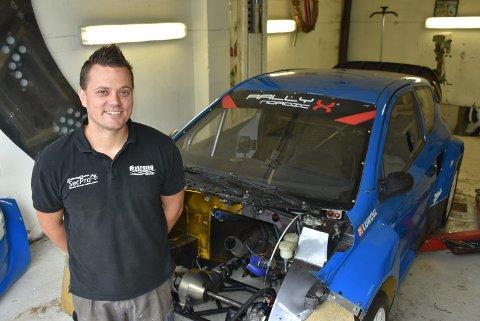 Hans-Jøran Østreng har kjøpt en ny rallycrossbil og satser internasjonalt neste sesong. Foto: Trym Helbostad