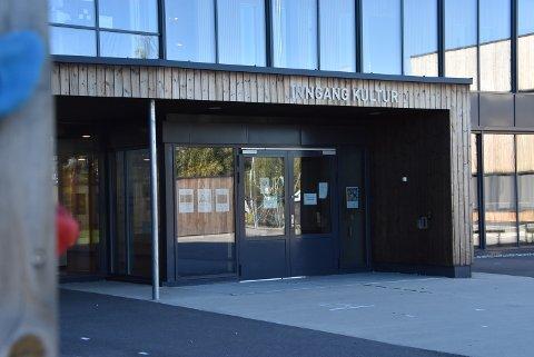 Kulturskolen Aurskog-Høland har sett seg nødt til å minne om hvilke smittevernregler som gjelder.