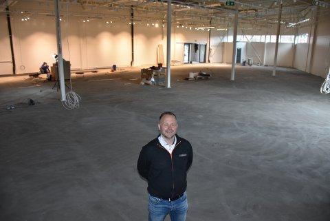 Daglig leder Martin Foss ser fram til å ta i bruk de nye lokalene til Power Bjørkelangen, som begynner å ta form. Foto: Trym Helbostad