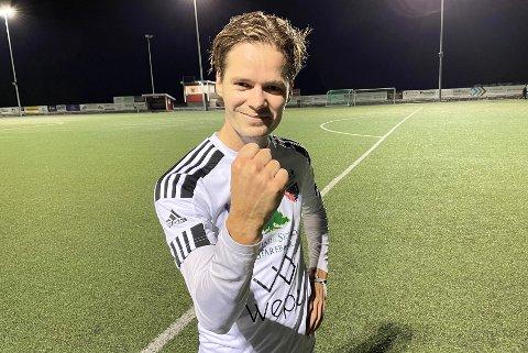 FORNØYD MATCHVINNER: Magnus Fagersand la opp til et mål og scoret seiersmålet da AHFK slo Blaker 3-2 i et durabelig lokaloppgjør.