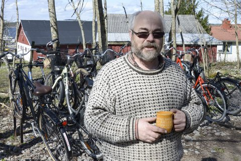 NY SESONG: Knut Einar Bergan er klar for en ny sesong med sykkelutleie på Jomfruland.