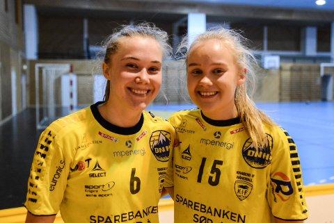 Søstrene Hedvig og Karen Nøtsund Carlsen sater på Kragerø også neste år. De to vil tilbake til 2. divisjon.