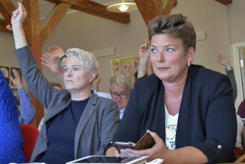 Enige og Uenige: Aps Sølvi Wreen Wirød (t.v.) og Henriette Fluer Vikre (Frp) er enige om lokal matlevering til sykehjemmet, men ikke om hvordan det skal organiseres.