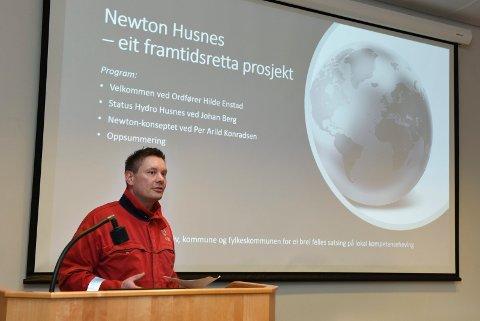Eivind Torvik har vore engasjert i arbeidet med å få til eit Newton-rom på Hydro Husnes.