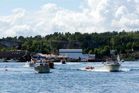 No blir det lågare fartsgrense på sjøen nær folk som badar.
