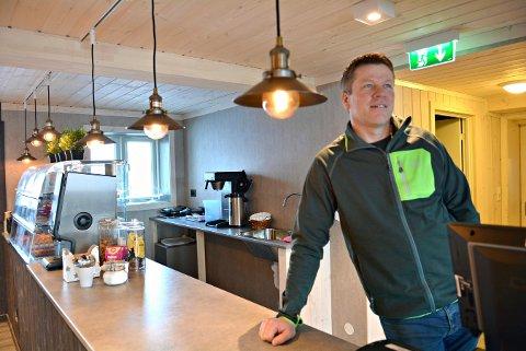 VIL BLI SETT: Einar Ro på Vasstulan 1100 søker om skilt ved veien.