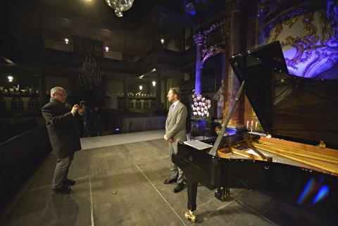 STJERNENATT: Leif Ove Andsnes gjorde inntrykk på mange under konserten i Kongsberg kirke fredag.