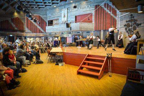 KAPPLEIK FOR ALLE: Markenskappleiken arrangeres på Lågdalsmuseet 2. og 3. mars. Bildet er fra sjokoladekappleiken i fjor.