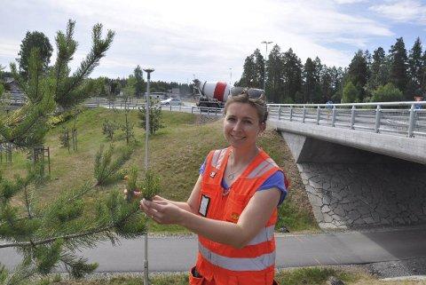 Landskapsarkitekt: Cecilie Schjøtt-Høiholt ved grøntområdet på Trollerudmoen.